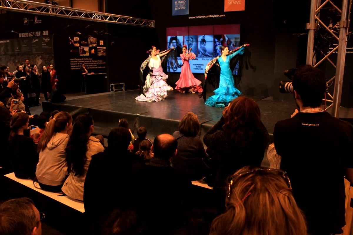 Famenco Dancers in FITUR 2013