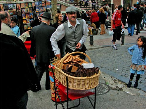 Men dress-up as chulapo in Madrid