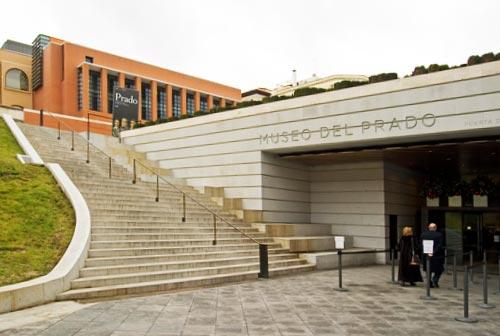 Entrace to Prado Museum