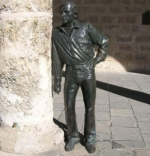 Antonio Gades monument
